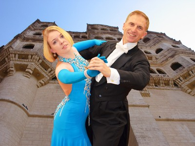 Leonie and Michael in Ballroom pose